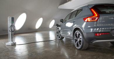 Volvo Cars não venderá mais carros à combustão no Brasil e só terá modelos híbridos e elétricos