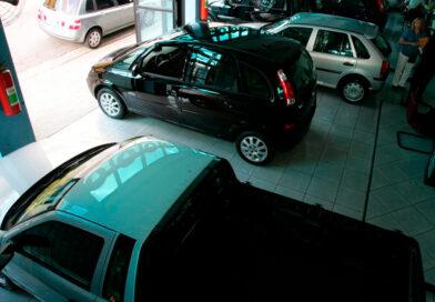 Vendas de veículos usados caem em abril